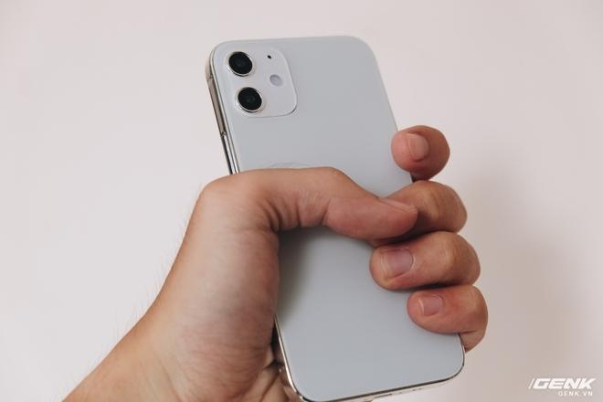 So sánh iPhone 12 5.4 inch với iPhone 4, iPhone 5 và iPhone 6: Chiếc iPhone nhỏ gọn đáng để chờ đợi - Ảnh 5.