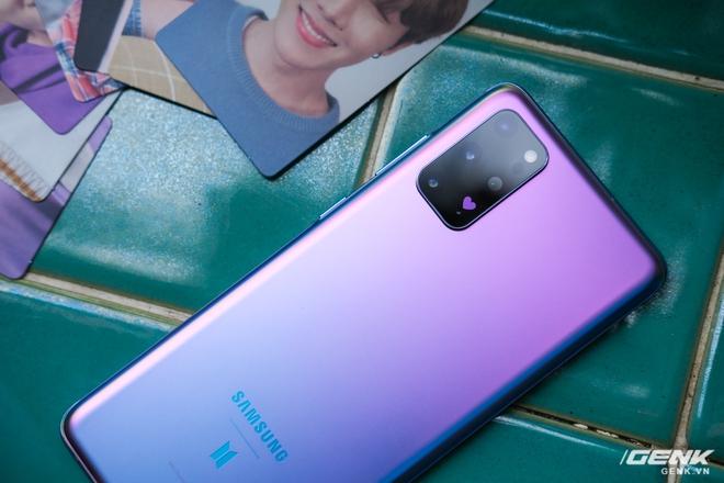 Mở hộp Galaxy S20+ phiên bản BTS: Màu tím hồng dễ thương, nhiều quà kèm theo dành riêng cho các fan A.R.M.Y - Ảnh 10.