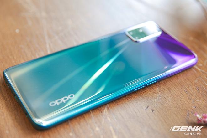 Trên tay OPPO A92 màu tím mới: mặt lưng lạ đẹp, giá không đổi - Ảnh 6.