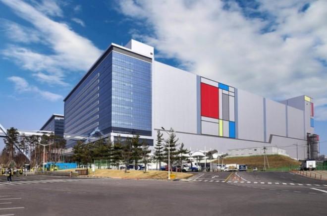 Samsung bắt kịp TSMC, bắt đầu sản xuất hàng loạt chip 5nm và tiếp tục nghiên cứu quy trình 4nm - Ảnh 2.