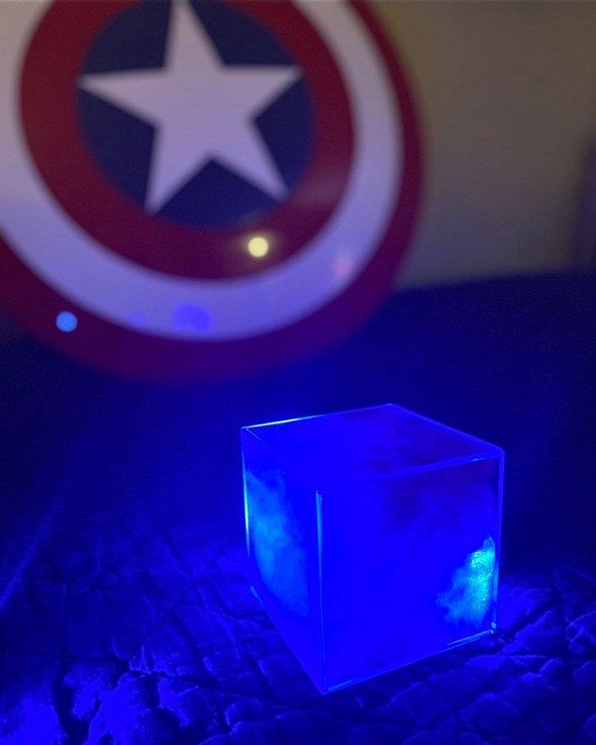 Ngỡ ngàng với những khối Tesseract tuyệt đẹp do fan Marvel tự chế tạo từ vật dụng thường ngày - Ảnh 7.