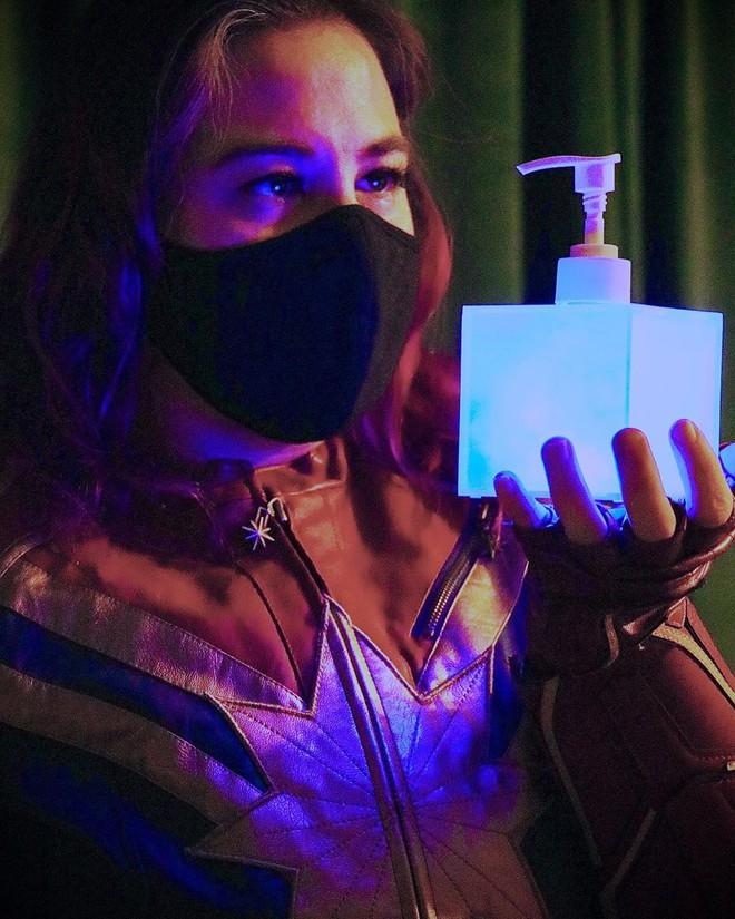 Ngỡ ngàng với những khối Tesseract tuyệt đẹp do fan Marvel tự chế tạo từ vật dụng thường ngày - Ảnh 3.