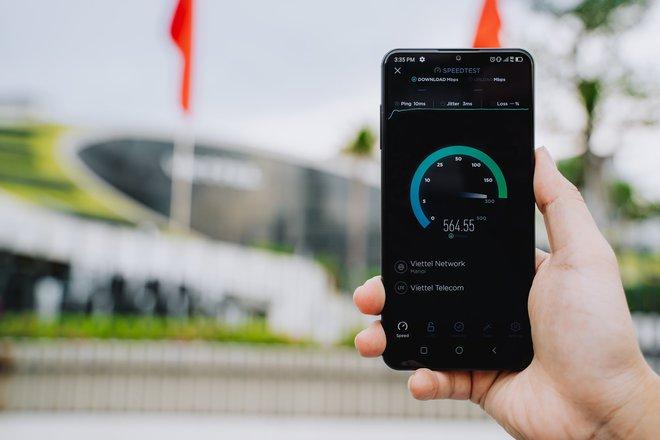 Vsmart Aris 5G chính thức lộ diện: Hỗ trợ 5G, chip Snapdragon 765 và RAM 8GB, tích hợp công nghệ điện toán lượng tử để bảo mật - Ảnh 3.