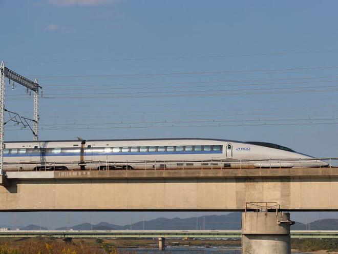 Cùng nhìn lại lịch sử hoạt động của tàu siêu tốc Shinkansen, niềm tự hào Nhật Bản với phiên bản mới nhất có thể chạy ngon ơ ngay cả khi động đất - Ảnh 25.