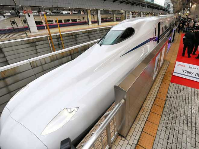 Cùng nhìn lại lịch sử hoạt động của tàu siêu tốc Shinkansen, niềm tự hào Nhật Bản với phiên bản mới nhất có thể chạy ngon ơ ngay cả khi động đất - Ảnh 32.