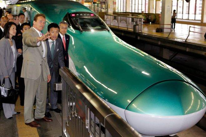 Cùng nhìn lại lịch sử hoạt động của tàu siêu tốc Shinkansen, niềm tự hào Nhật Bản với phiên bản mới nhất có thể chạy ngon ơ ngay cả khi động đất - Ảnh 9.