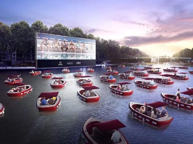 Pháp chuẩn bị mở rạp chiếu phim tạm thời trên sông, khán giả sẽ ngồi trong các du thuyền riêng biệt để thực hiện giãn cách xã hội - Ảnh 1.