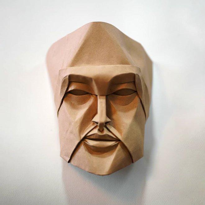 Không cần sách hướng dẫn, anh nghệ sĩ tự mò mẫm cách gấp origami ra hình những khuôn mặt siêu chi tiết, cực kỳ ấn tượng - Ảnh 1.