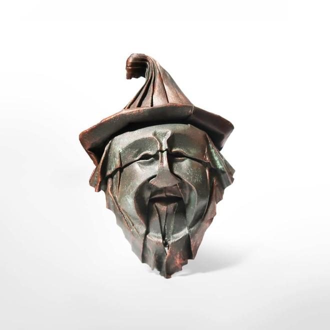 Không cần sách hướng dẫn, anh nghệ sĩ tự mò mẫm cách gấp origami ra hình những khuôn mặt siêu chi tiết, cực kỳ ấn tượng - Ảnh 2.
