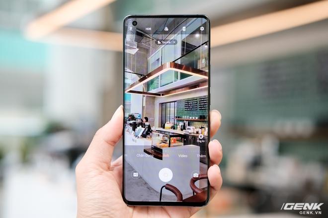 Cận cảnh Vivo X50 Pro giá 20 triệu: Thiết kế hiện đại, camera gimbal siêu chống rung, màn hình tràn viền 90Hz, Snapdragon 765G - Ảnh 9.