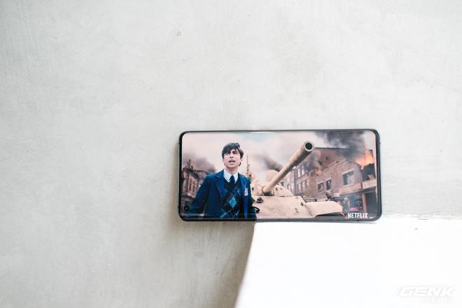 Cận cảnh Vivo X50 Pro giá 20 triệu: Thiết kế hiện đại, camera gimbal siêu chống rung, màn hình tràn viền 90Hz, Snapdragon 765G - Ảnh 19.