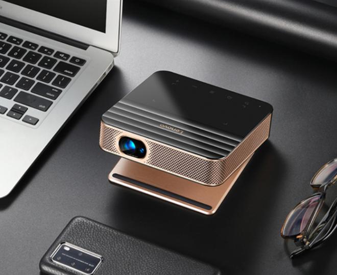 Lenovo ra mắt máy chiếu siêu nhỏ, có cổng USB-C để chiếu hình ảnh từ smartphone, giá 10 triệu đồng - Ảnh 1.