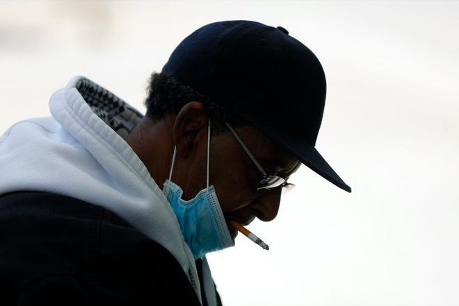 Đại dịch COVID-19 khiến 1 triệu người Anh sợ và bỏ thuốc lá - Ảnh 3.