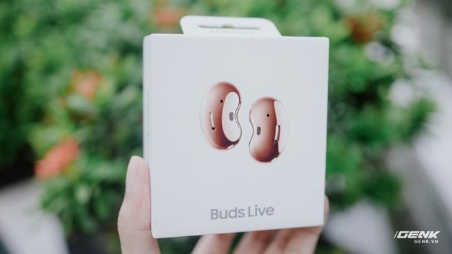 Mở hộp Galaxy Buds Live chính hãng, giá 4.5 triệu đồng - Ảnh 1.