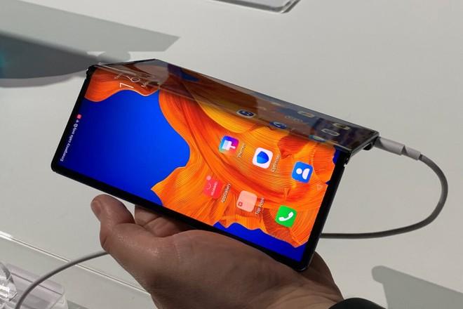 Lộ thông số Huawei Mate X2 5G, sẽ có thiết kế gần giống với Galaxy Z Fold 2 của Samsung - Ảnh 1.