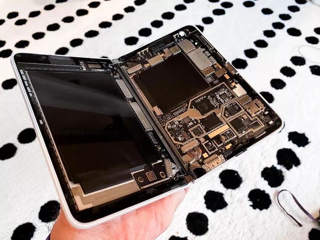 Bên trong siêu phẩm màn hình kép giá cao - Microsoft Surface Duo - Ảnh 6.