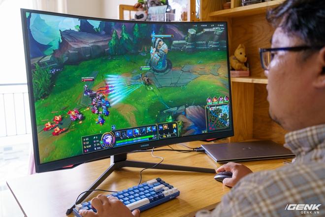 Trải nghiệm nhanh Samsung Odyssey G7: màn hình gaming 240Hz có điểm nhấn công nghệ QLED - Ảnh 12.