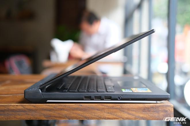 Cận cảnh laptop chiến game hàng khủng ROG Strix SCAR 15 (2020): Thiết kế không đổi, nâng cấp cấu hình với Core i7 Gen 10, RTX 2060 115W, giá căng gần 48 triệu - Ảnh 8.