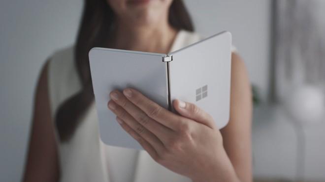 Microsoft Surface Duo sẽ hỗ trợ cập nhật phần mềm đến 3 năm - Ảnh 1.