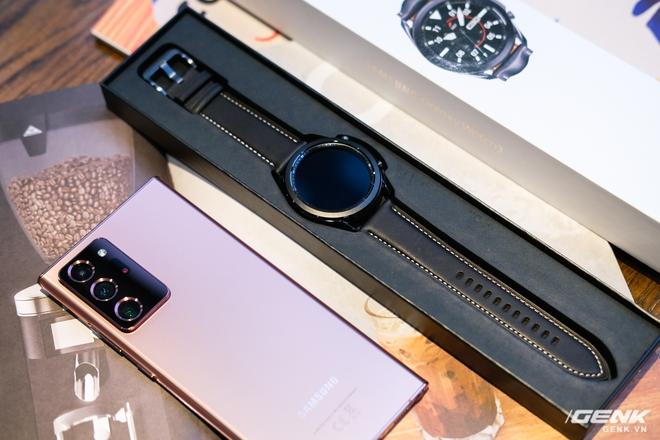 Mở hộp Galaxy Watch3 mặt 45mm: Thiết kế thanh lịch hơn, trang bị khả năng đo nồng độ oxy trong máu, có hơn 120 bài tập tại nhà, bản GPS giá từ 9,99 triệu đồng - Ảnh 3.