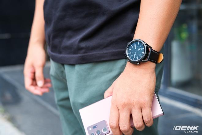 Mở hộp Galaxy Watch3 mặt 45mm: Thiết kế thanh lịch hơn, trang bị khả năng đo nồng độ oxy trong máu, có hơn 120 bài tập tại nhà, bản GPS giá từ 9,99 triệu đồng - Ảnh 6.