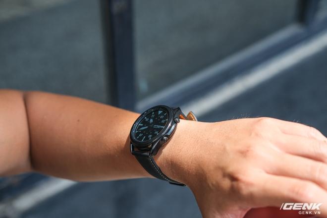 Mở hộp Galaxy Watch3 mặt 45mm: Thiết kế thanh lịch hơn, trang bị khả năng đo nồng độ oxy trong máu, có hơn 120 bài tập tại nhà, bản GPS giá từ 9,99 triệu đồng - Ảnh 9.
