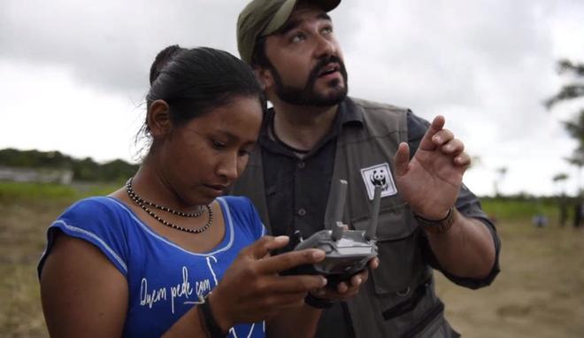 Thổ dân vùng Amazon đang bảo vệ cánh rừng và loài báo bằng ... drone - Ảnh 3.