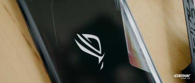 Trên tay quái vật gaming ROG Phone 3: Snapdragon 865+, màn hình 144Hz, pin 6000mAh, giá từ 14.5 triệu đồng - Ảnh 6.