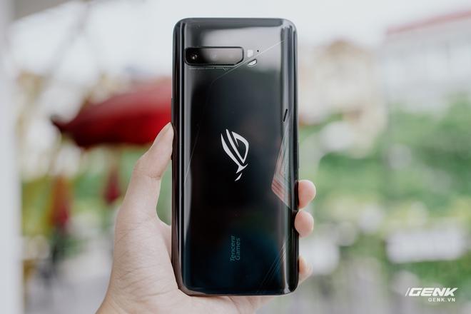 Trên tay quái vật gaming ROG Phone 3: Snapdragon 865+, màn hình 144Hz, pin 6000mAh, giá từ 14.5 triệu đồng - Ảnh 5.