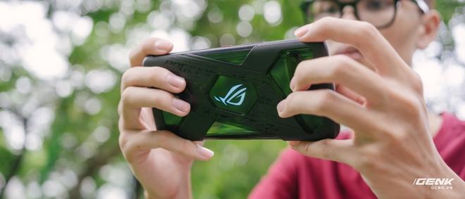 Trên tay quái vật gaming ROG Phone 3: Snapdragon 865+, màn hình 144Hz, pin 6000mAh, giá từ 14.5 triệu đồng - Ảnh 27.