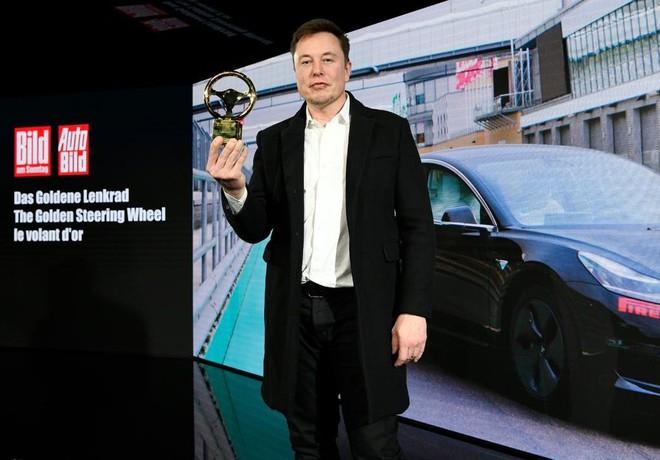 Hệ thống tự lái của xe Tesla đang được hoàn thiện bằng trí tuệ nhân tạo, sẽ là bước nhảy vọt lượng tử của ngành ô tô - Ảnh 2.