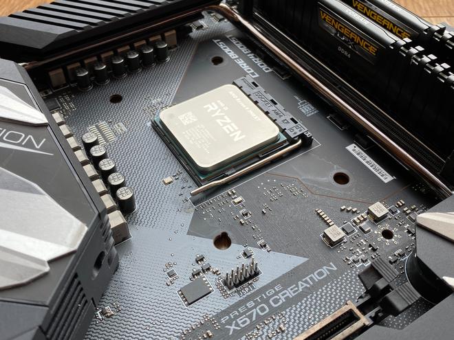 Đánh giá AMD Ryzen 9 3900XT: sinh ra để tiếp tục đè bẹp Intel nhưng có đủ ấn tượng để xây ngôi vương của riêng mình? - Ảnh 2.