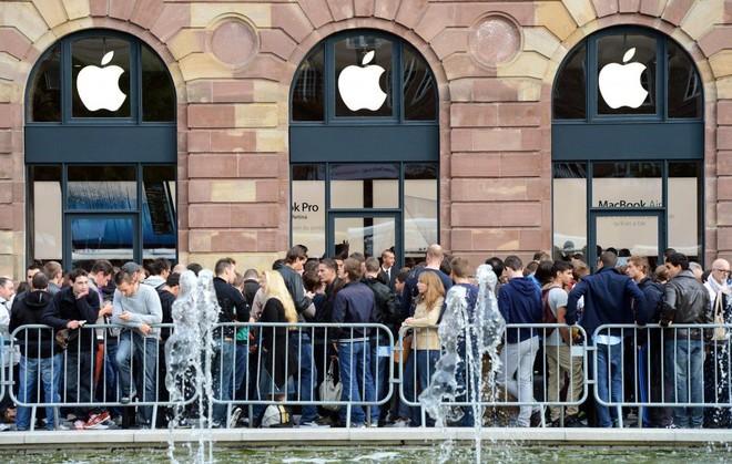 iPhone bị hoãn: Tin xấu cho fan, Tin quá tốt cho Apple và Phố Wall - Ảnh 3.