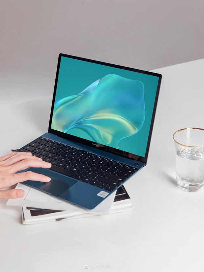 Huawei ra mắt MateBook X cao cấp: Mỏng nhẹ hơn MacBook Air, màn hình cảm ứng 3K, Intel thế hệ 10, giá từ 26.8 triệu - Ảnh 4.