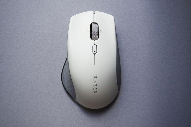 Razer Pro Click ra mắt: Chuột chơi game công thái học, thiết kế thay đổi, không đèn RGB, không dây, giá 99,99 USD - Ảnh 1.