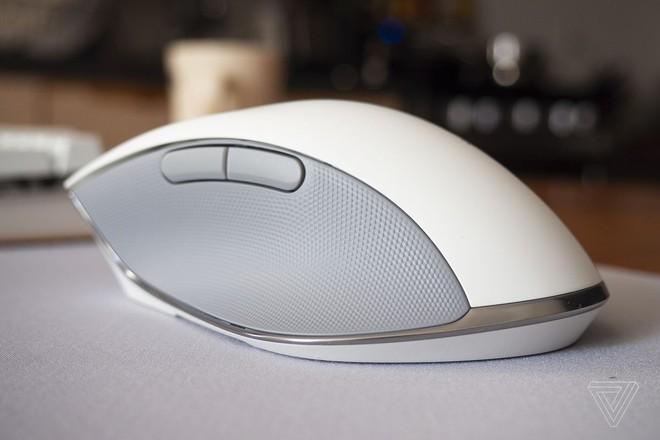 Razer Pro Click ra mắt: Chuột chơi game công thái học, thiết kế thay đổi, không đèn RGB, không dây, giá 99,99 USD - Ảnh 2.