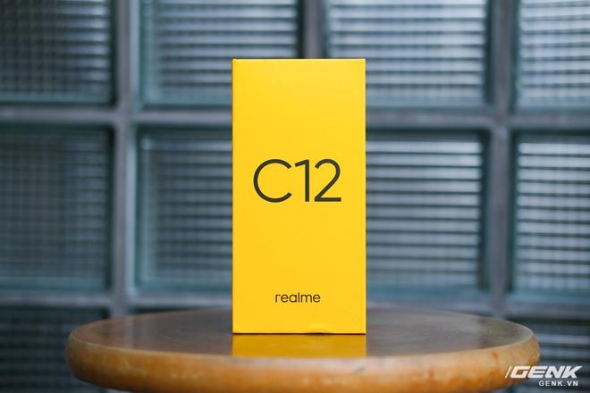 Cận cảnh Realme C12 vừa ra mắt tại Việt Nam: Bản nâng cấp từ C11, pin trâu hơn, mọc thêm 1 camera sau, giá 3,49 triệu đồng - Ảnh 1.