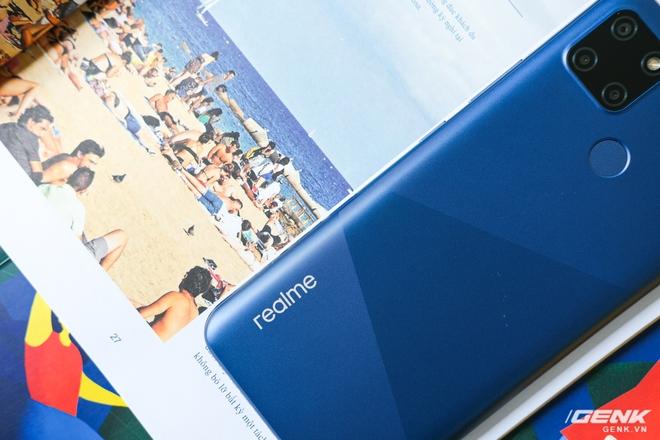 Cận cảnh Realme C12 vừa ra mắt tại Việt Nam: Bản nâng cấp từ C11, pin trâu hơn, mọc thêm 1 camera sau, giá 3,49 triệu đồng - Ảnh 5.
