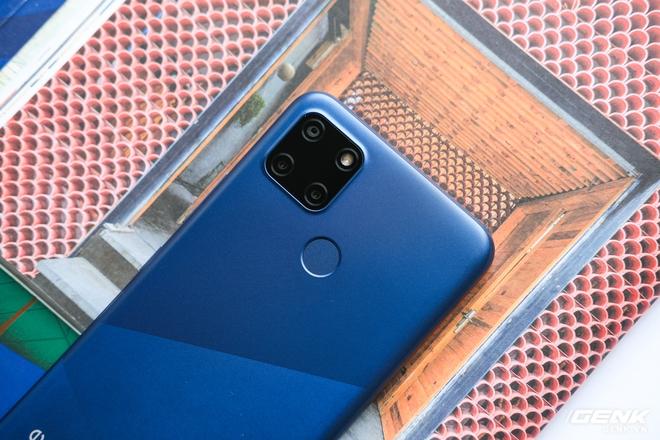 Cận cảnh Realme C12 vừa ra mắt tại Việt Nam: Bản nâng cấp từ C11, pin trâu hơn, mọc thêm 1 camera sau, giá 3,49 triệu đồng - Ảnh 3.