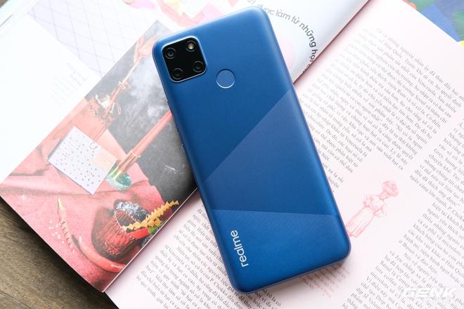 Cận cảnh Realme C12 vừa ra mắt tại Việt Nam: Bản nâng cấp từ C11, pin trâu hơn, mọc thêm 1 camera sau, giá 3,49 triệu đồng - Ảnh 8.