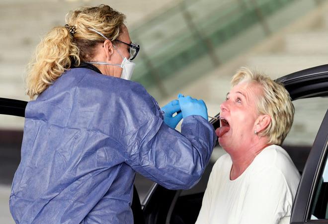Liên tục ghi nhận các ca COVID-19 tái nhiễm: Chuyên gia không bất ngờ, khuyên người dân không nên hoảng sợ - Ảnh 2.