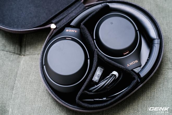 Trên tay tai nghe Sony WH-1000XM4: Ngoại hình không thay đổi, kết nối 1 lúc 2 thiết bị, nâng cấp chống ồn, giá 8,49 triệu đồng - Ảnh 4.