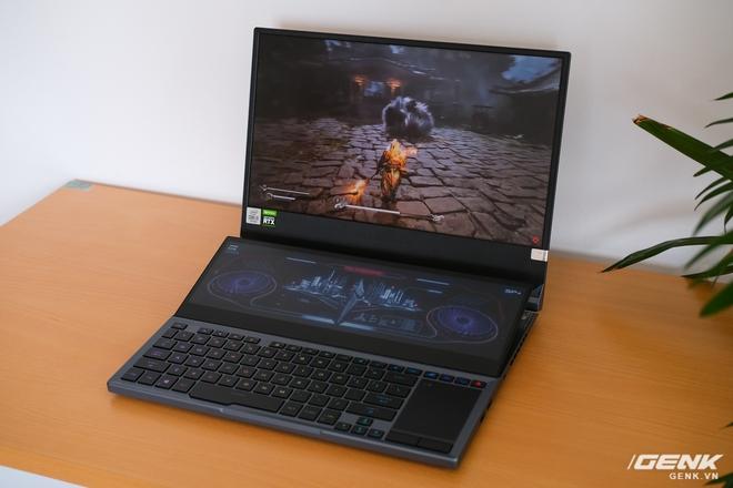 Cận cảnh laptop hai màn hình ROG Zephyrus Duo 15: Không gian hiển thị 2 x 4K đã mắt, cấu hình khủng long, chơi game đã hơn, giá cũng hoảng hơn - Ảnh 8.