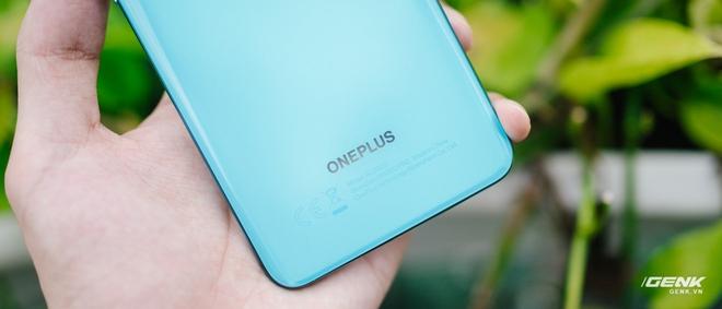 Trên tay OnePlus Nord 5G chính hãng: Snapdragon 765G, màn hình 90Hz, giá 14 triệu - Ảnh 4.