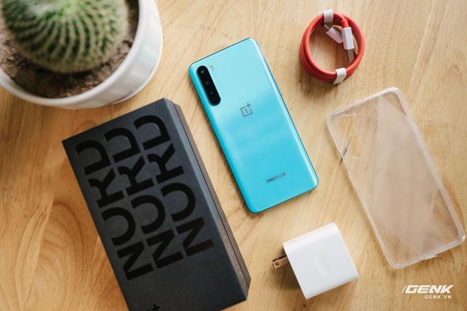 Trên tay OnePlus Nord 5G chính hãng: Snapdragon 765G, màn hình 90Hz, giá 14 triệu - Ảnh 1.