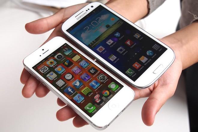 Thị phần bị Xiaomi và Samsung gặm nhấm, AirPods dần dần đi theo số phận của iPhone ngày trước - Ảnh 1.