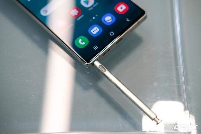 Trên tay Galaxy Note20/Note20 Ultra vừa ra mắt: Một cứng cáp, một mềm mại, màu đẹp xuất sắc, hợp cả nữ lẫn nam - Ảnh 25.