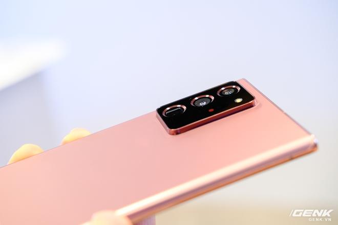 Trên tay Galaxy Note20/Note20 Ultra vừa ra mắt: Một cứng cáp, một mềm mại, màu đẹp xuất sắc, hợp cả nữ lẫn nam - Ảnh 3.