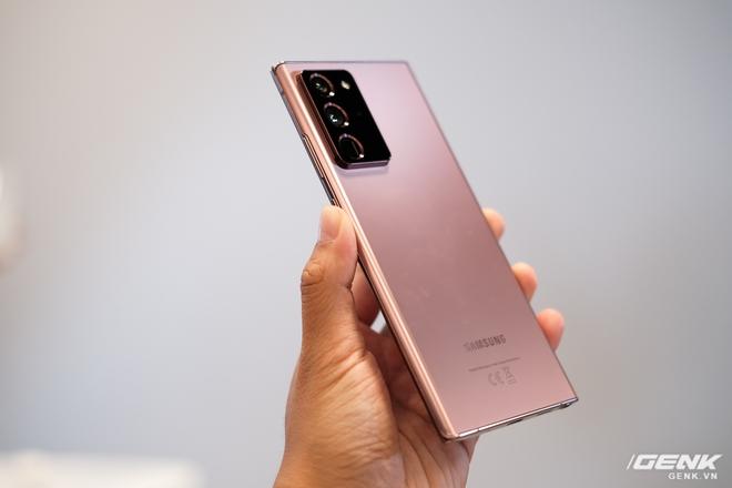 Trên tay Galaxy Note20/Note20 Ultra vừa ra mắt: Một cứng cáp, một mềm mại, màu đẹp xuất sắc, hợp cả nữ lẫn nam - Ảnh 2.