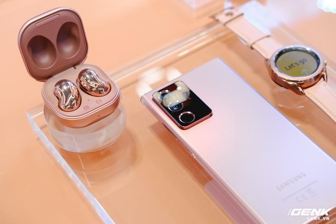 Trên tay đồng hồ Samsung Galaxy Watch 3 và tai nghe không dây chống ồn hạt đậu Galaxy Buds Live - Ảnh 10.
